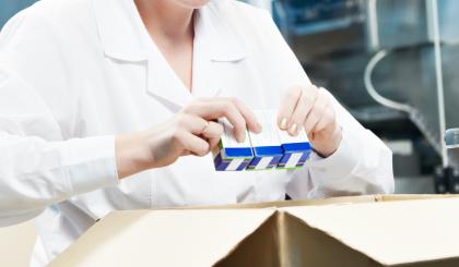 <p><p><strong>GS1データバー(合成シンボル)対応</strong><br /> Matrixシリーズは能書に印刷されるPharma Codeを始め一般的なバーコードの他に、パッケージに印刷される有効期限や製造記号が含まれている医療用医薬品GS1バーコード合成シンボルにも対応。</p> </p>